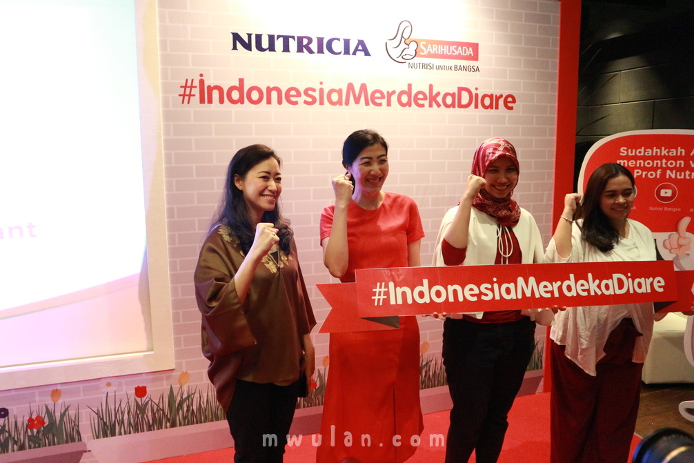 Dr. Ariani Dewi Widodo, Sp.A (Medical Expert), Maria Melisa (Head of Brand SGM), Nabhila Chairunissa ( Brand manager digestive care - Sarihusada), Cindy Charlota (Public Figure Mom).